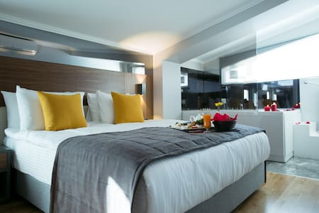 ANKARA'S MOST LUXURIOUS SUIT - Bed & Breakfast