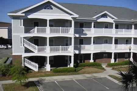 Immaculate Barefoot Resort Condo - Apartment