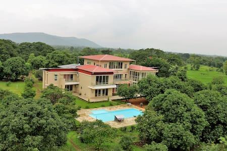The Majestic Villa - Karjat - Villa