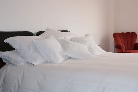Suite with Private Bath - Between Sintra & Lisbon - Apartament