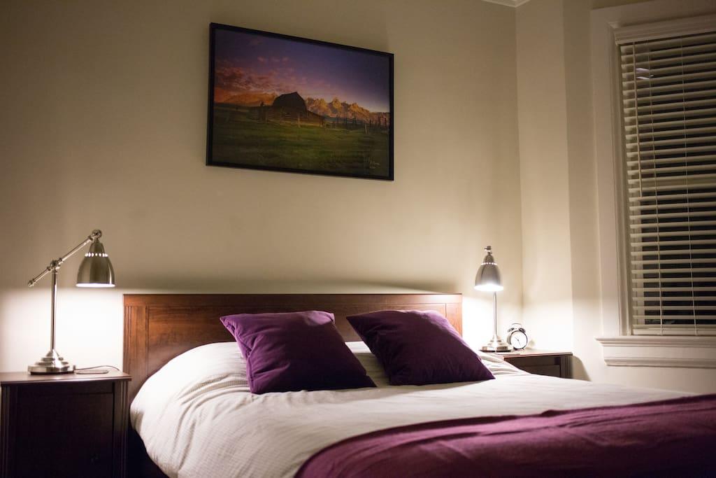 Amazing SoMa Victorian! Purple Room