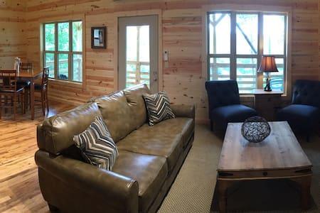 Water Buffalo Cabin is a must see!! - Hytte