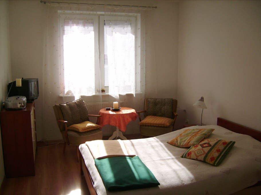 Sleeping Room / Schlafzimmer / Sypialnia (east side)