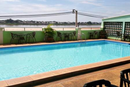 Spacious Room Riverside with Breakfast Included ! - Vientiane - Bed & Breakfast