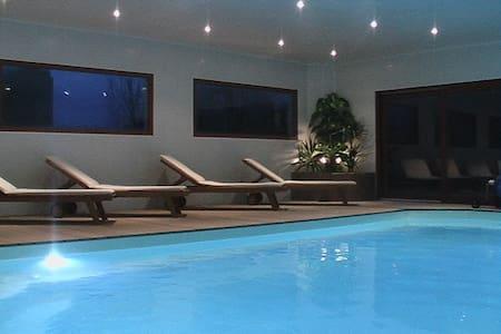 Le Cottage, gite 2-4 pers. piscine - Almhütte