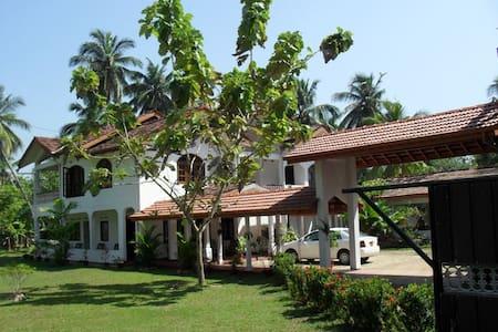 Sunny`s Guest House Akurala  - House