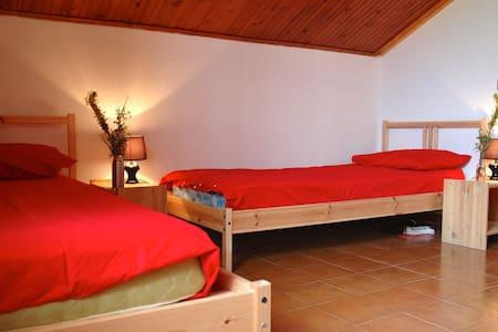 nuova stanza a quattro letti - Bed & Breakfast