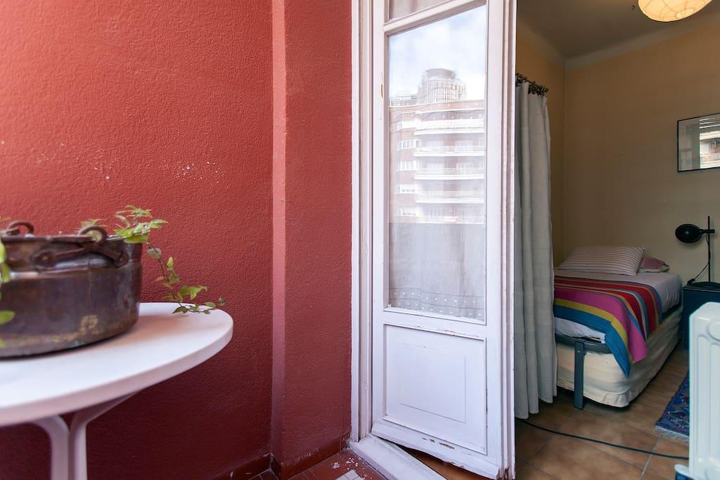 room host terrace