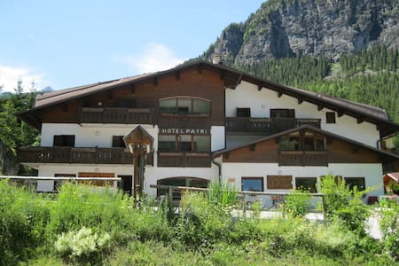Dolomiti room with view x2  - Bed & Breakfast