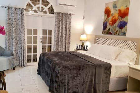 Picturesque Slumber Apartment - Kingston - Apartamento