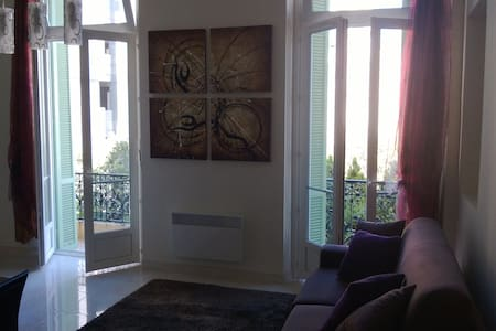 New flat in the centre of Mentone