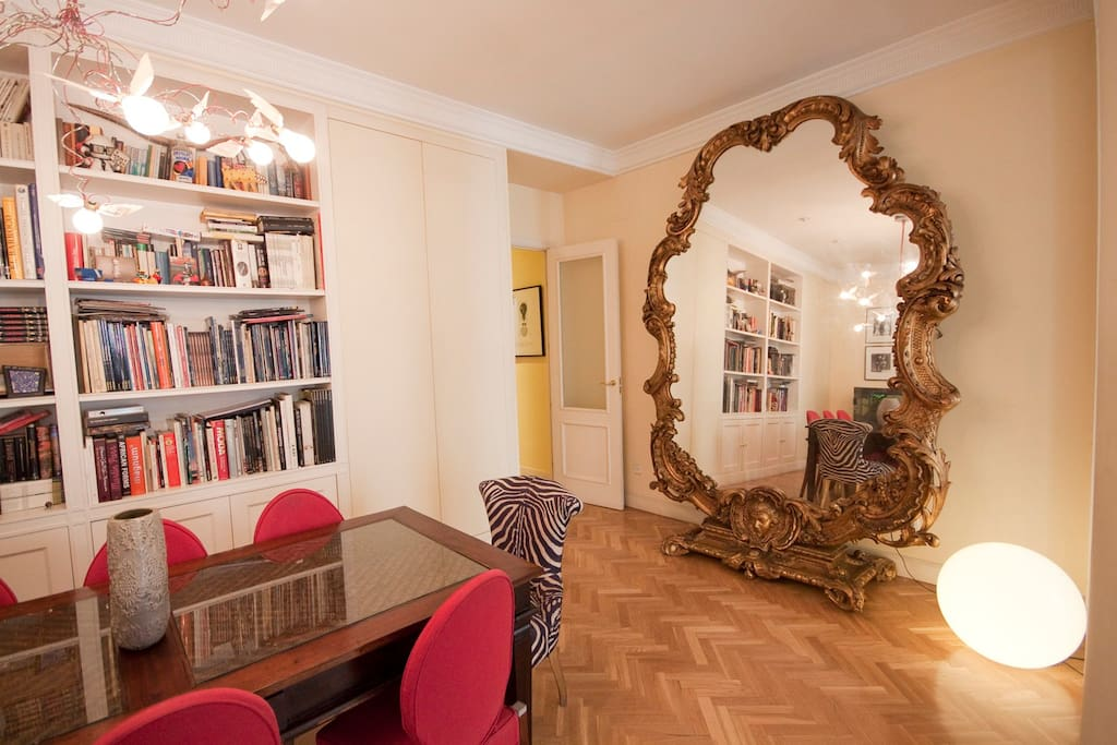 Living room - Wonderful mirror