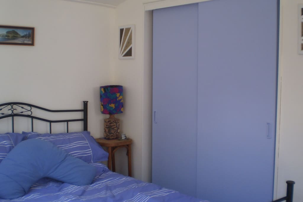 Quiet, private, comfortable sleep area. Linen provided, ensuite