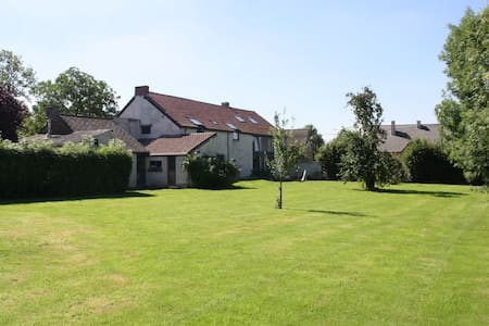 Montigny House. 21 p./690 €/night. - Bed & Breakfast