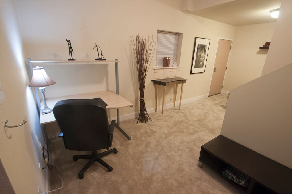 Office space in your unit with free high speed WiFi/internet access available throughout the unit and works in the backyard patio.