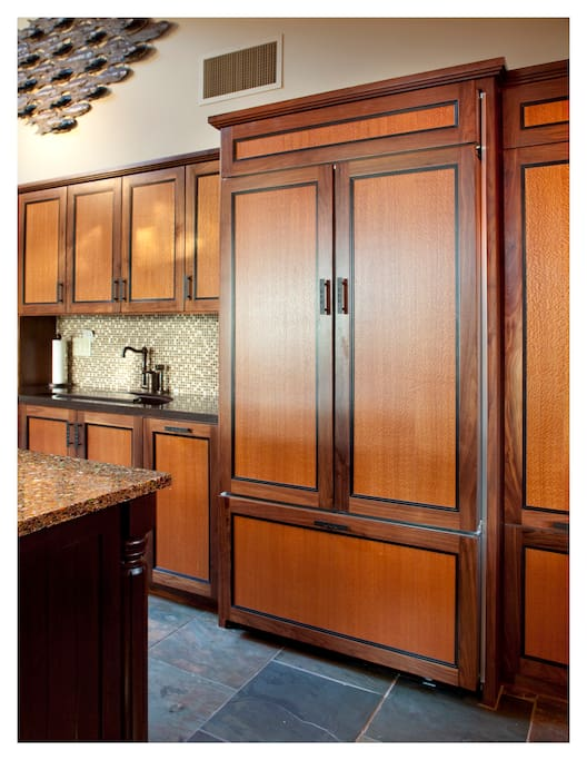 Master Chef's Dream Kitchen - Dual Copper Deep Sink, Veggie Sink, Wine Cooler, Warming Drawer and In & Outside Gas Grills.