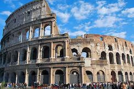 WINDOWS ON THE COLOSSEUM