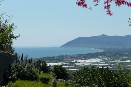 Villa with sea and  mountain view - Terracina