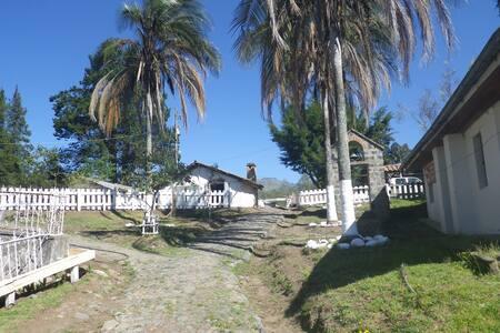 Rustic living on organic farm - Tabacundo