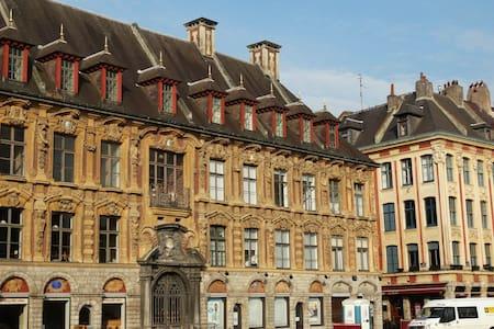 F2 de charme Vieux Lille - Lägenhet