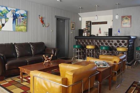 Large, Affordable Home w/fun Bar! - Brigantine - House