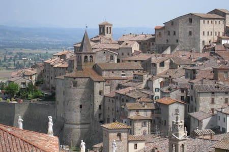 Anghiari - Vico di Monteloro - Lejlighed