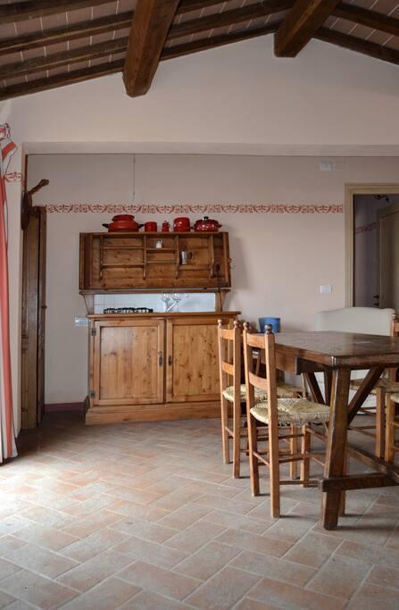 A pretty house in the Crete senesi