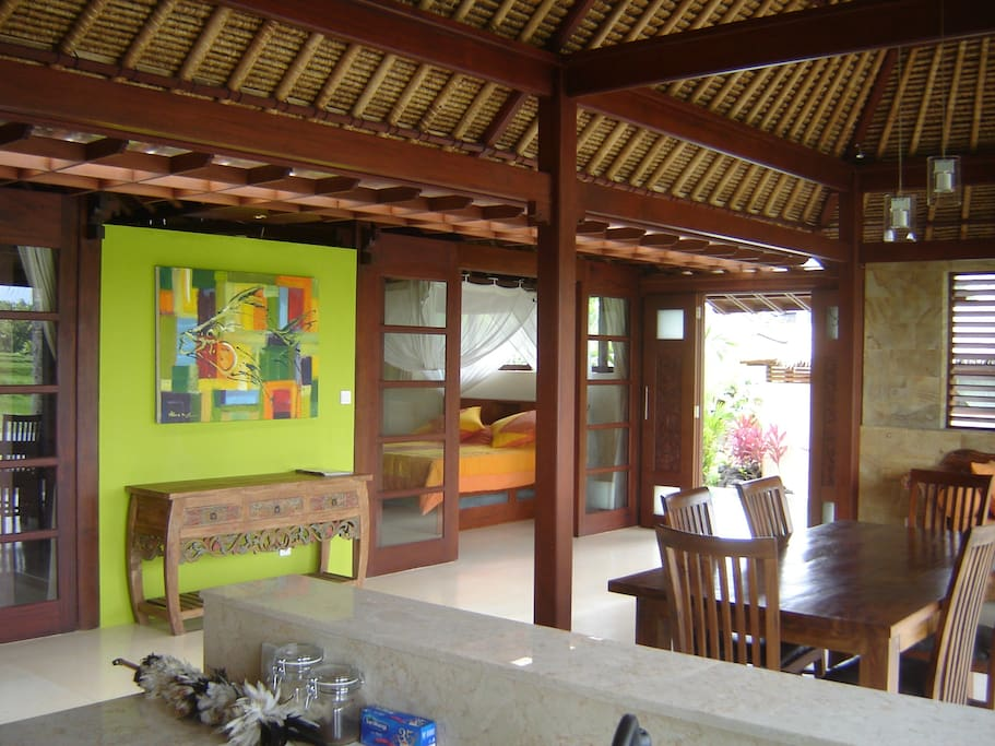 Spacious living with Bali colours