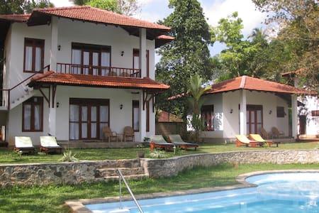 Chill Island Villas - Bed & Breakfast