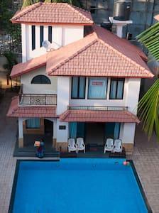 SNS Beachholidayvilla with pvt.pool - Villa