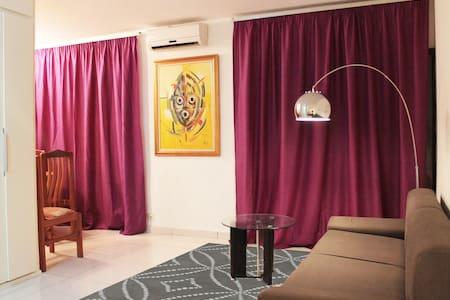 Bright and quiet furnished studio - Abidjan