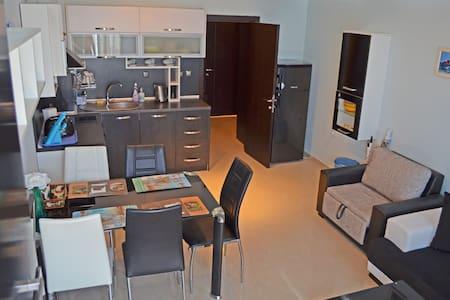 Akra Apartments Chenomoretz - Guesthouse