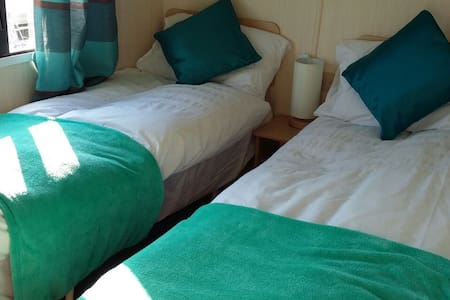 Homely Caravan Rental, Sand Le Mere - East Riding of Yorkshire