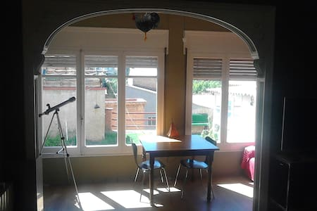 Habitacio doble a casa amb jardi - Talo
