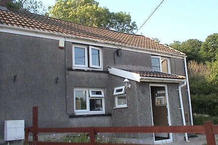 Ty Gwreiddiol ( Original House ). - Huis