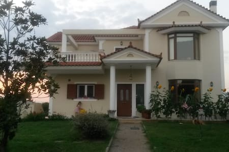 Villa with pool in Agia Triada, Nafplio - Agia Triada - Willa