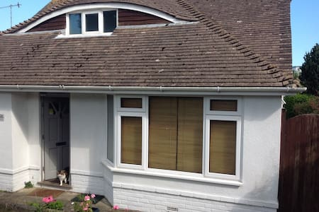 A relaxing haven close to Brighton. - Saltdean - House