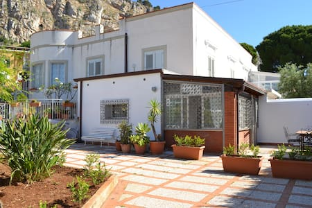 Villa Elpide 30 steps from the sea! - 公寓