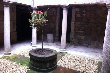 Medieval patio in Tui - House