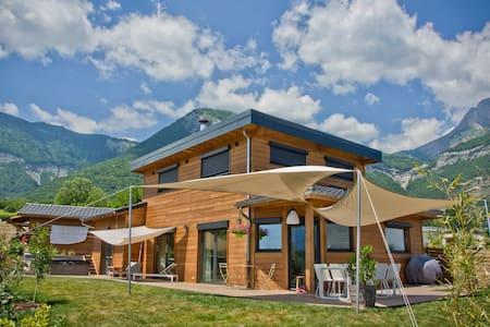 Belle maison bois avec vue - Bernin