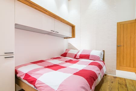 Quirky, well designed spacious flat - Liverpool - Apartment