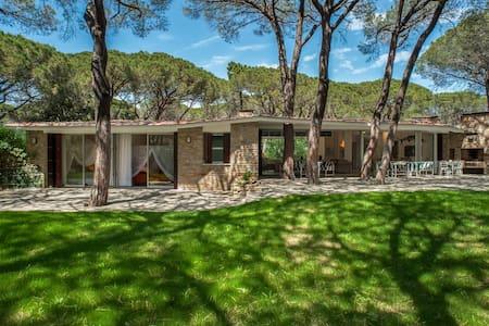 Villa la Rampa - Roccamare pinewood - Vila