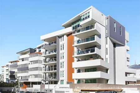 Modern 2 Bedroom Apartment Kangaroo Point - Kangaroo Point - Apartment