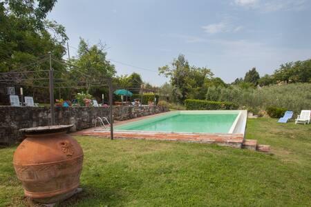 Peraccio Agristurismo, Aia apt - Villa