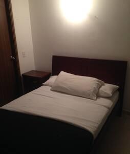 Apartamento 3 hab cercano al metro - Apartemen