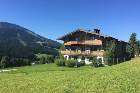 Wohnung im Bauernhaus in Ellmau - Apartament