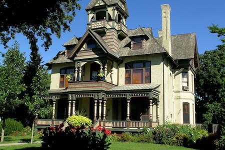 Amazing B&B, Remarkable Home-Rm EA - Bed & Breakfast