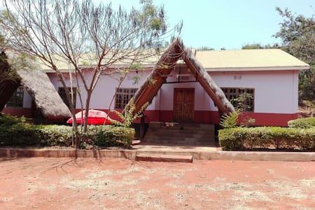 Safari Camp Lodge - Inap sarapan