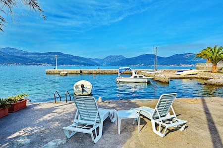KJARA - Family Studio with Sea View - Tivat
