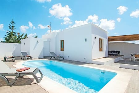 Whitehouse II with pool - Playa Blanca - Villa